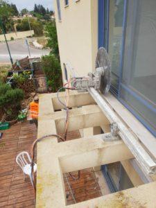 ניסור פרגולת בטון